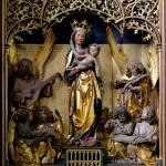 Der um eine Marienstatue von Tilman Riemenschneider geschnitzte Altar von Thomas Buscher in der Gamburger Pfarrkirche