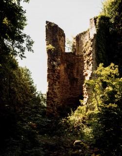 Im 19. Jh. eingestürzter Wehrturm
