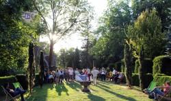 Apéritif au jardin im Burgpark